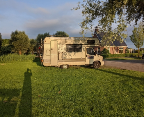 De camper op de eerste stop - cysolo tour