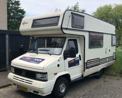 De camper voor vertrek - cysolo tour